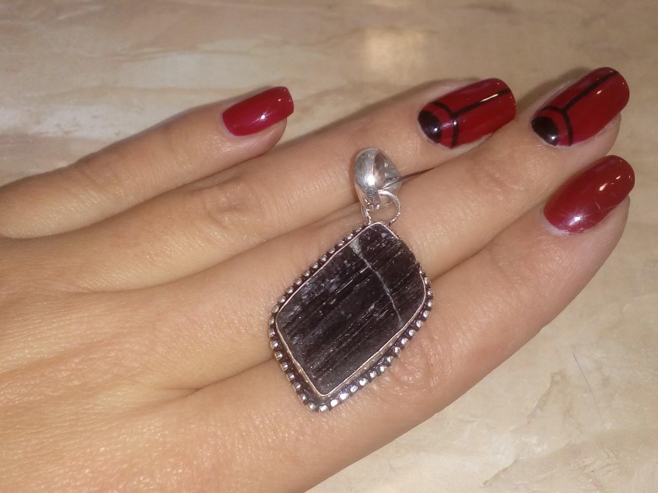 Шерл кулон с натуральным черным турмалином в серебре Индия