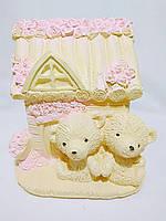 Копилка из гипса «Домик с мишками Тедди» (мишки желтые)