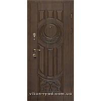 Вхідні двері в будинок 2006
