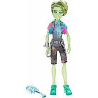 Кукла Портер Гейсс Монстр Хай Студент духов - Porter Geiss Monster High Student Spirits CDC34