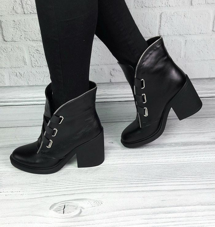 ae60f67c9 Ботинки женские демисезонные/зимние на каблуке кожаные/замшевые цвета разные  Uk0108