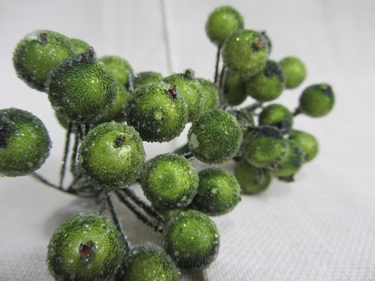 Ягодки сахарные для декора и композиций, 28\22 (цена за 1 шт. + 6 грн.)