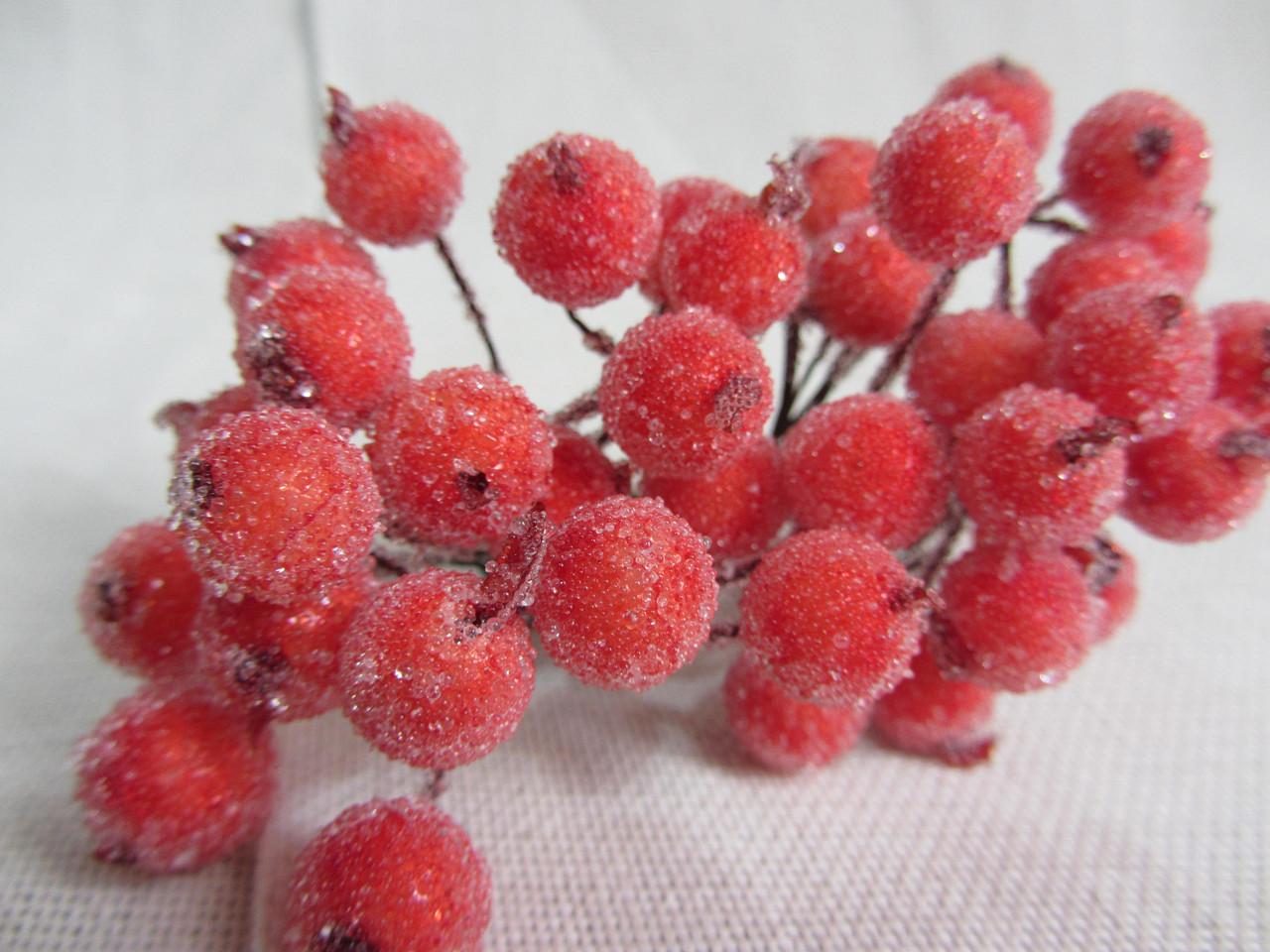 Ягодки оранжевые для декора и композиций, 28\22 (цена за 1 шт. + 6 грн.)