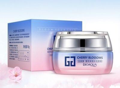Ухаживающий и увлажняющий крем для лица с экстрактом сакуры (вишни)  Bioaqua cherry blossoms cream 50 ml