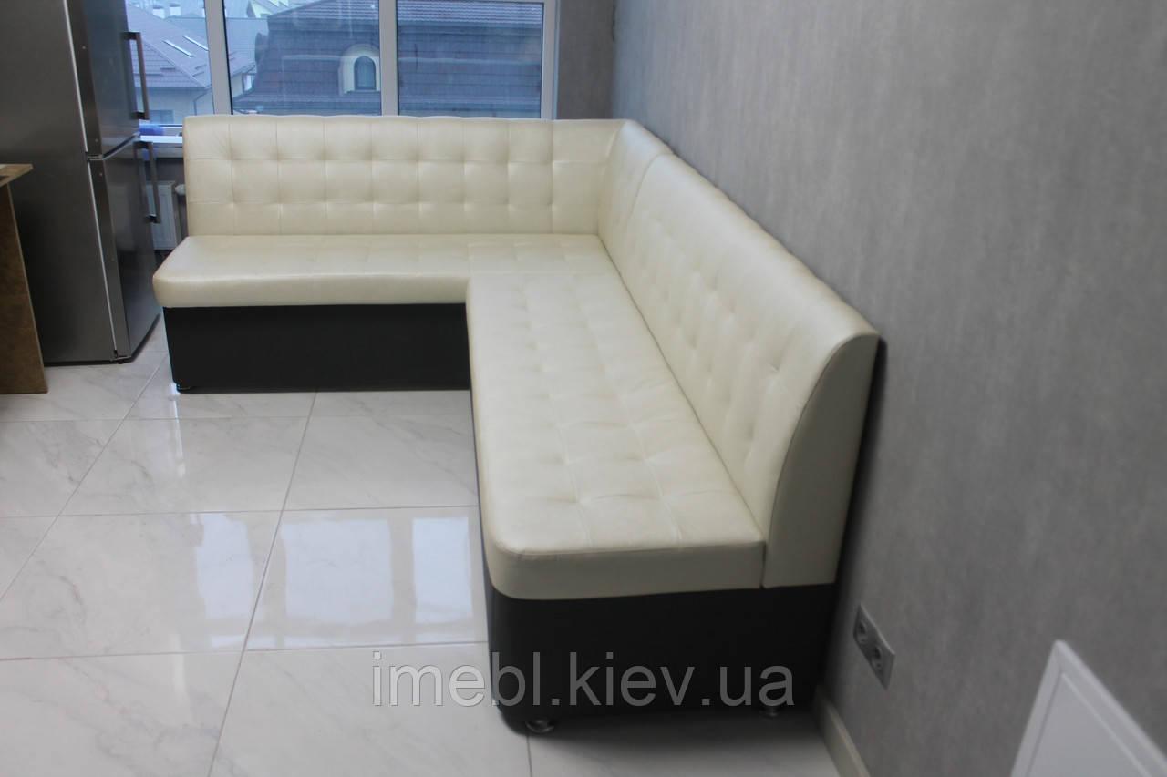 Кухонний кутовий диван зі спальним місцем у велику кухню