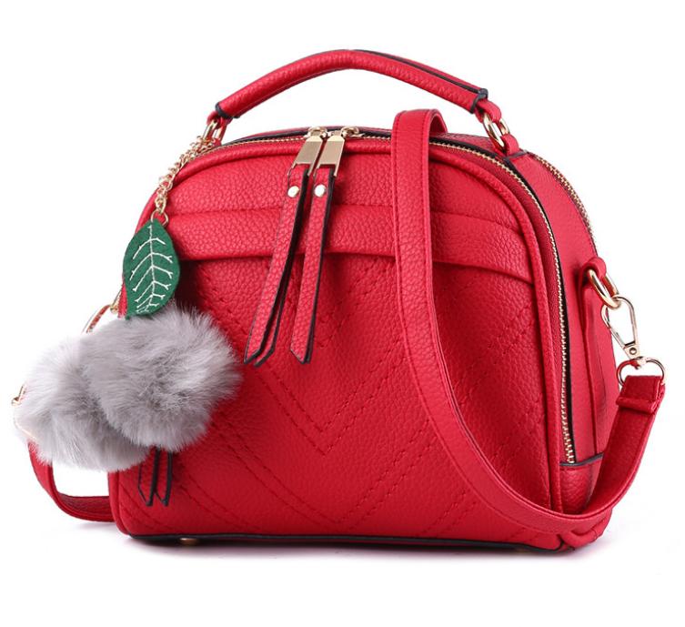 Сумка женская через плечо Stylish bag с помпоном Красный