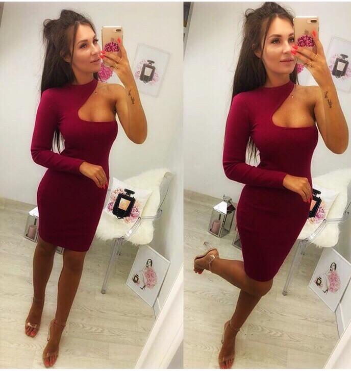 Женское коктельное бордовое мини платье на одно плечо. Ткань. Креп-дайвинг.