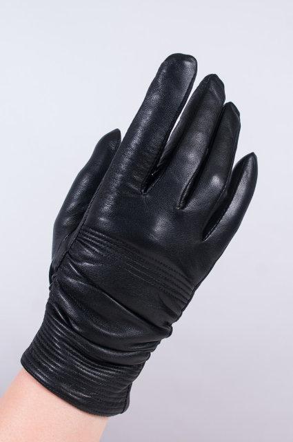 Женские перчатки из кожи жатка