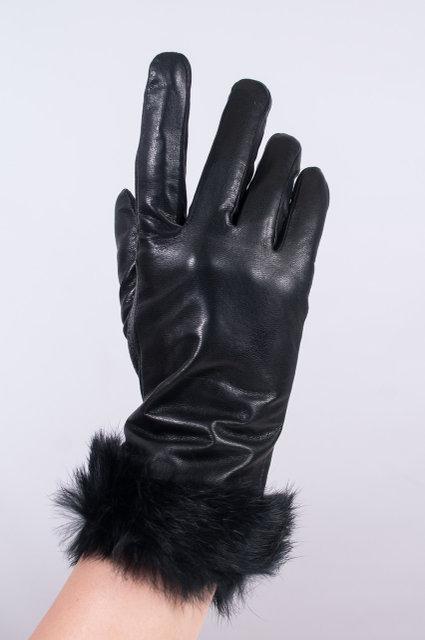 Женские перчатки из кожи с мехом