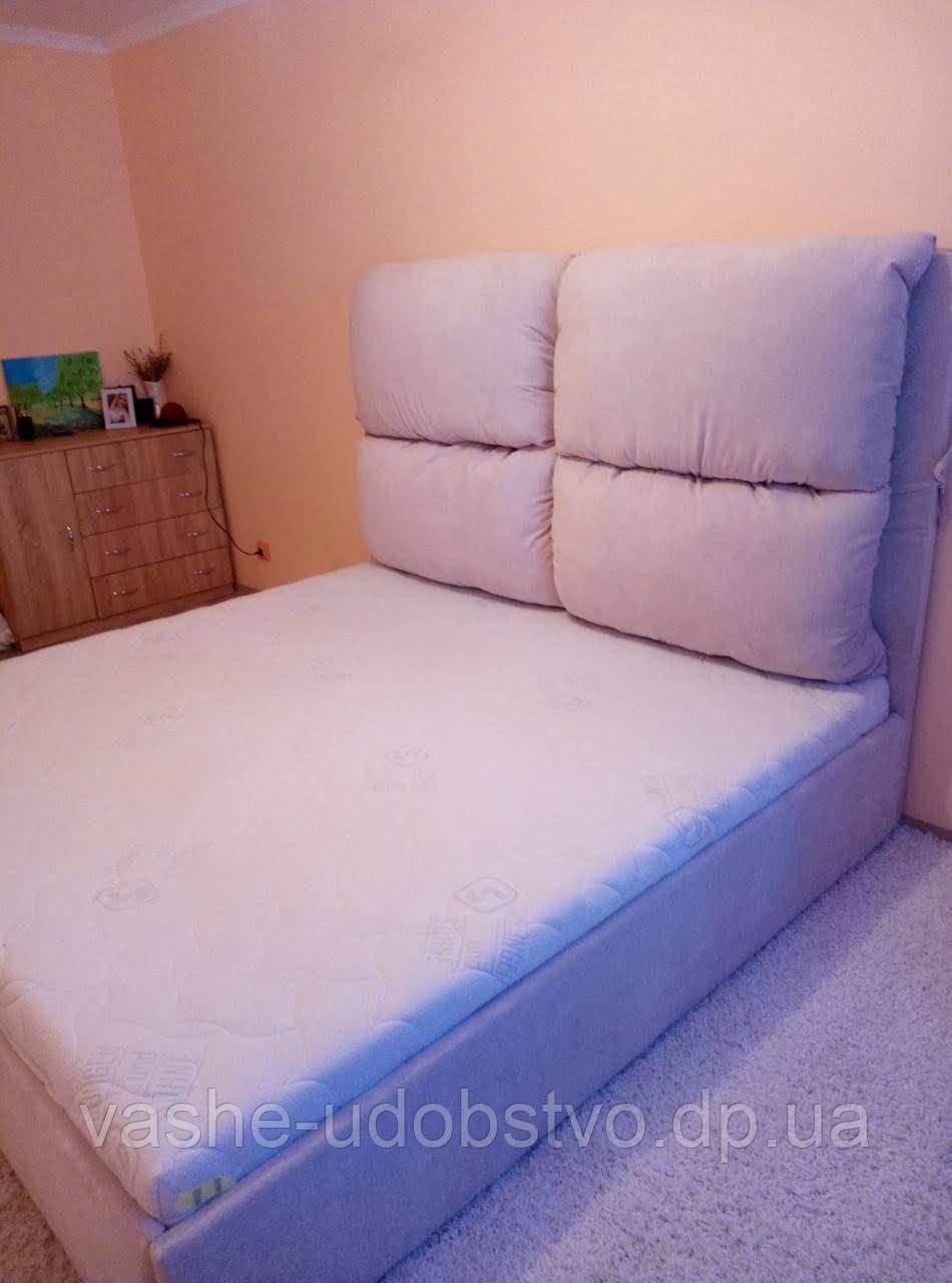 Кровати с мягким изголовьем под заказ.