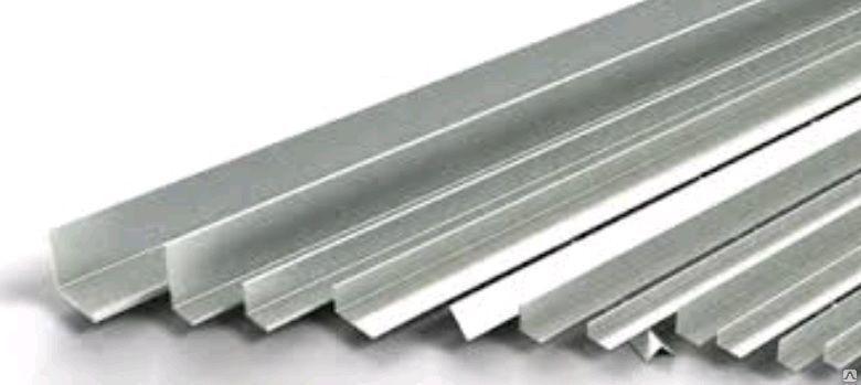 Алюминиевый уголок  30х30х2мм