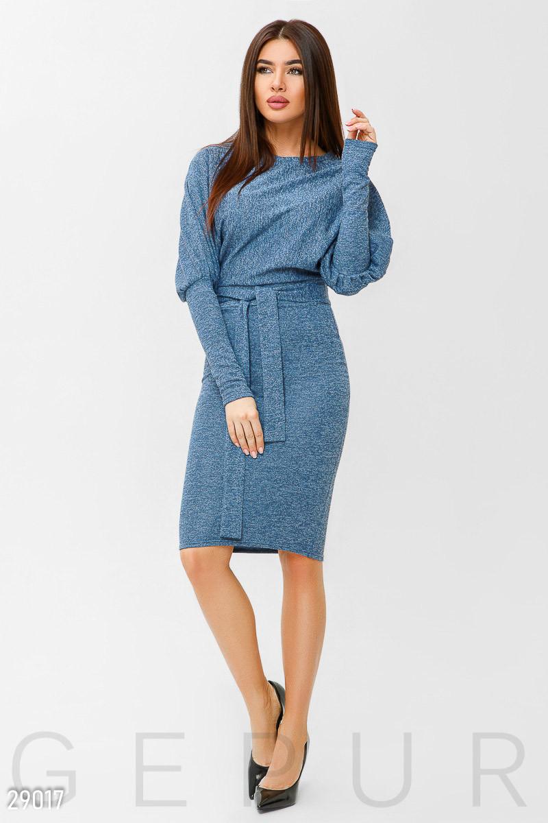 Стильное платье-реглан синего цвета