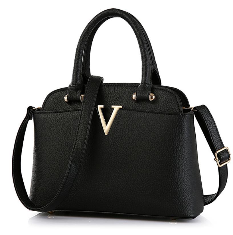 Женская сумка в стиле Valentino классическая Черный