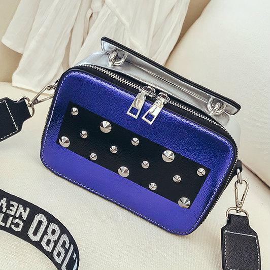 синяя маленькая сумочка через плечо