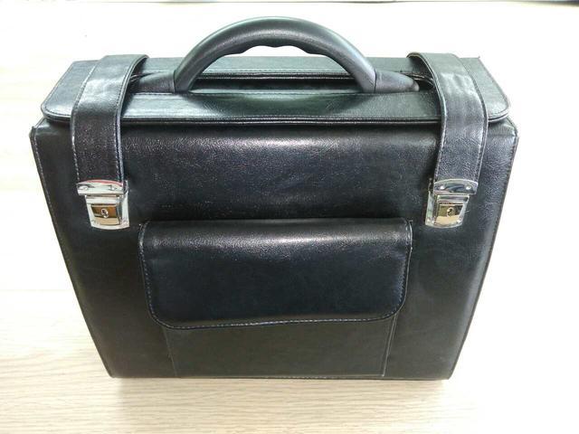 26d4851f27c9 Заказать пошив сумок в Украине. Вы можете заказать у нас пошив любой  продукции оптом от производителя: сумки, рюкзаки, папки, косметички,  портфели, ...
