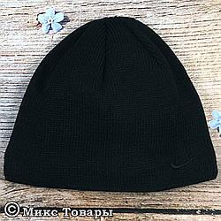 Мужская шапка с черной вышивкой и флисом (UA31027)