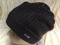 Женская шапочка украшенная камнями и хольнитенами