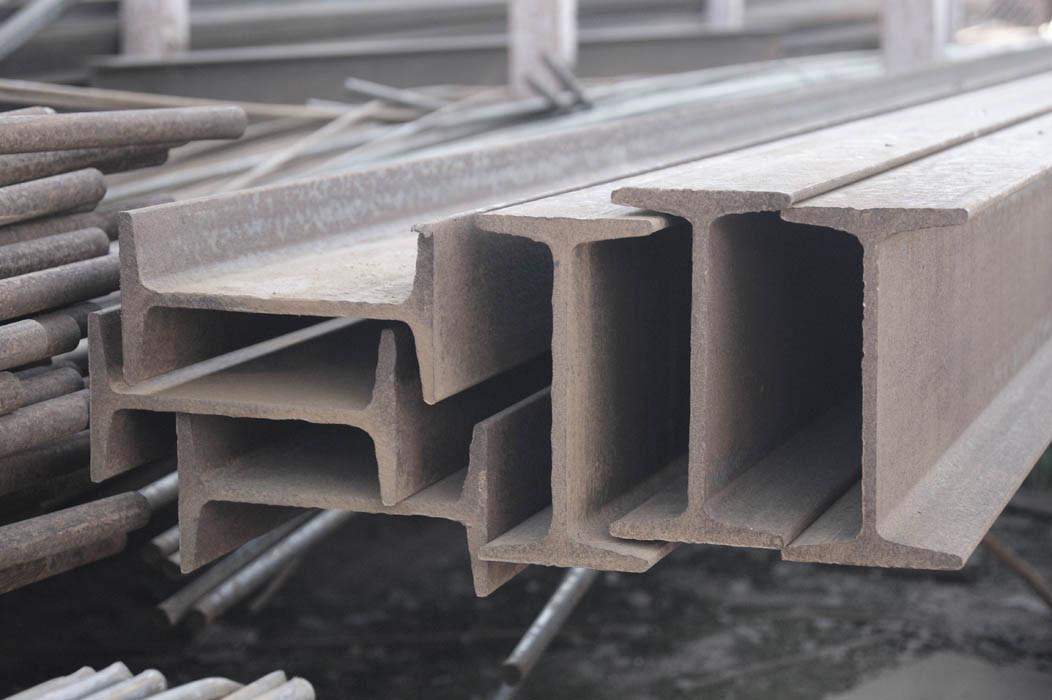 Балка стальная двутавровая 18