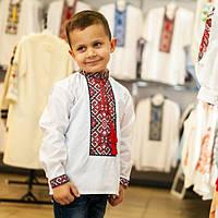 Вышитая рубашка для мальчика Богдан с красным орнаментом