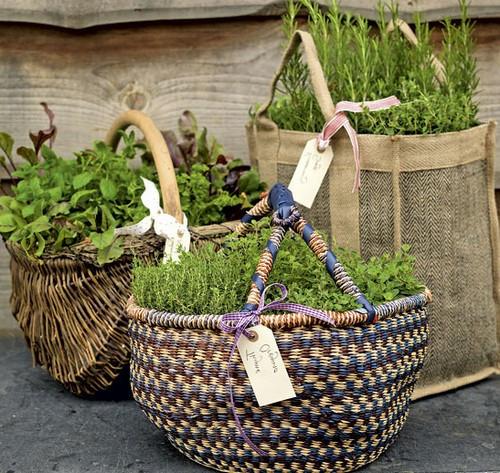 Корзины и кашпо для цветочных композиций