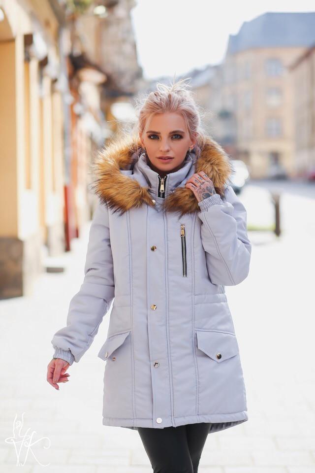 Зимняя женская куртка с мехом енота на капюшоне 60ki143