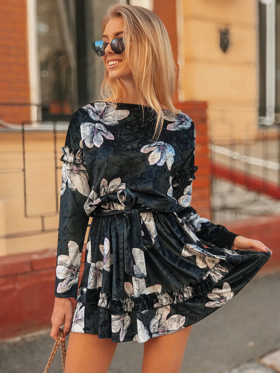 Принтованное велюровое платье с пышной юбкой 50ty2034
