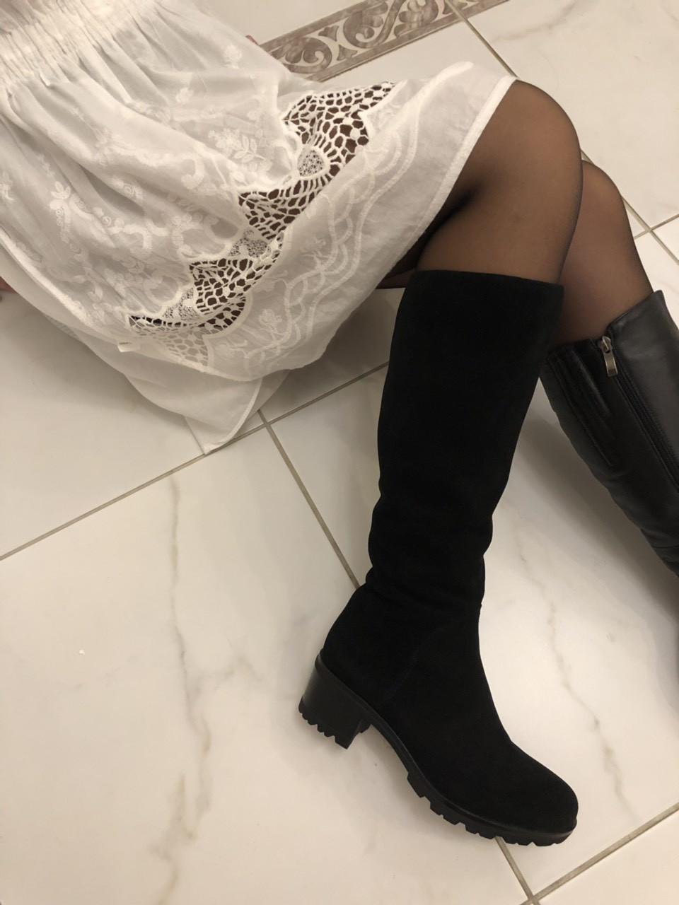 Чорні замшеві чоботи Berloni F105