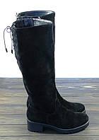 Замшевые зимние сапоги на низком каблуке черного цвета Lonza