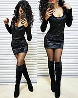 Короткое бархатное платье с глубоким вырезом, цвет черный
