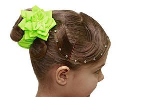 Резинка для волос салатовая, цветочек