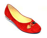 Балетки женские замшевые красного цвета на низком ходу, фото 1