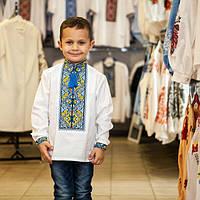 Выштая рубашка для мальчика с желто-голубым узором
