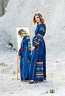 Синее длинное платье с вышивкой свободного кроя в этно-стиле