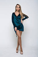 Стильное женское платье из бархата