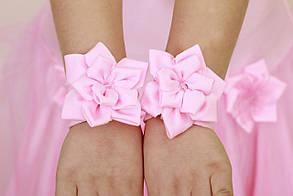 Резинки на руки с цветочками, напульсники