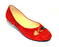 Туфли женские замшевые красного цвета  на низком ходу. 37 размер