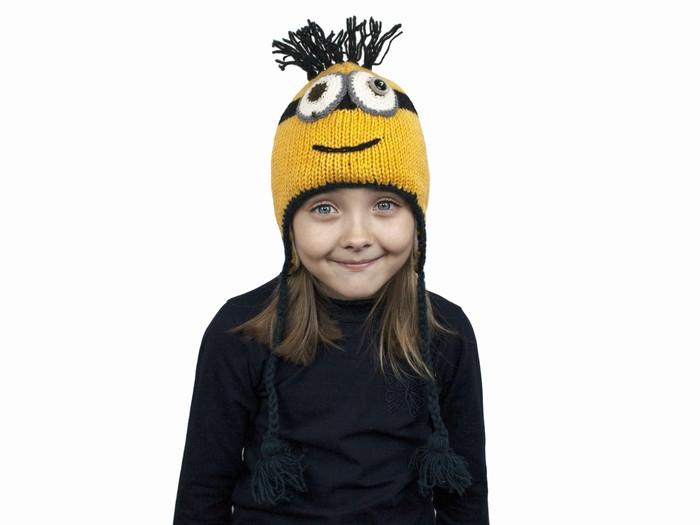 Дитяча в'язана шапка для хлопчика Міньйон