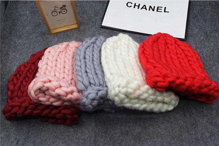 Жіноча зимове вовняна шапка