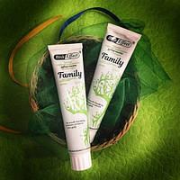 Органическая лечебно-профилактическая зубная паста для всей семьи Bisheffect Family, 125 мл