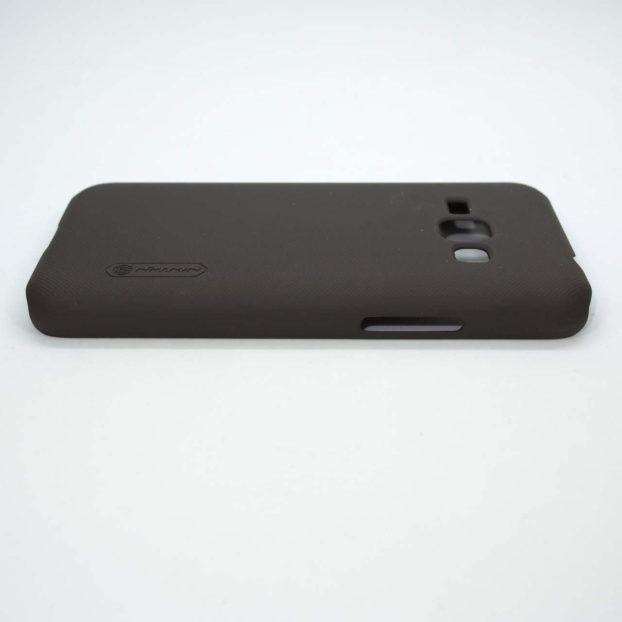 Накладка Nillkin Super Frosted Shield Samsung Galaxy J120 brown Для телефона J1(2016)