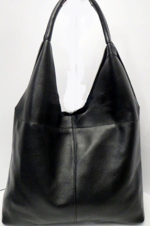 Модная сумка из мягкой натуральной зернистой кожи чёрного цвета