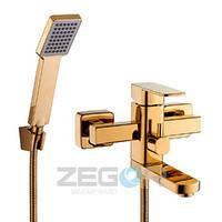 Смеситель для ванны с душем Zegor LEB3-G (LEB3-A123G)  однорычажный короткий  золотого цвета