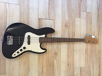 Бас-гитара Fender Jazz Bass MIM 1996