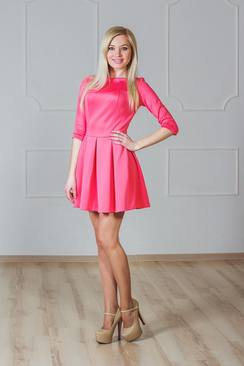 Женское платье коралл