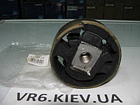 Подушка балки двигателя Seat Altea, Toledo, Leon 2.0 1K0199868A