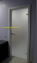Стеклянные межкомнатные двери из массива