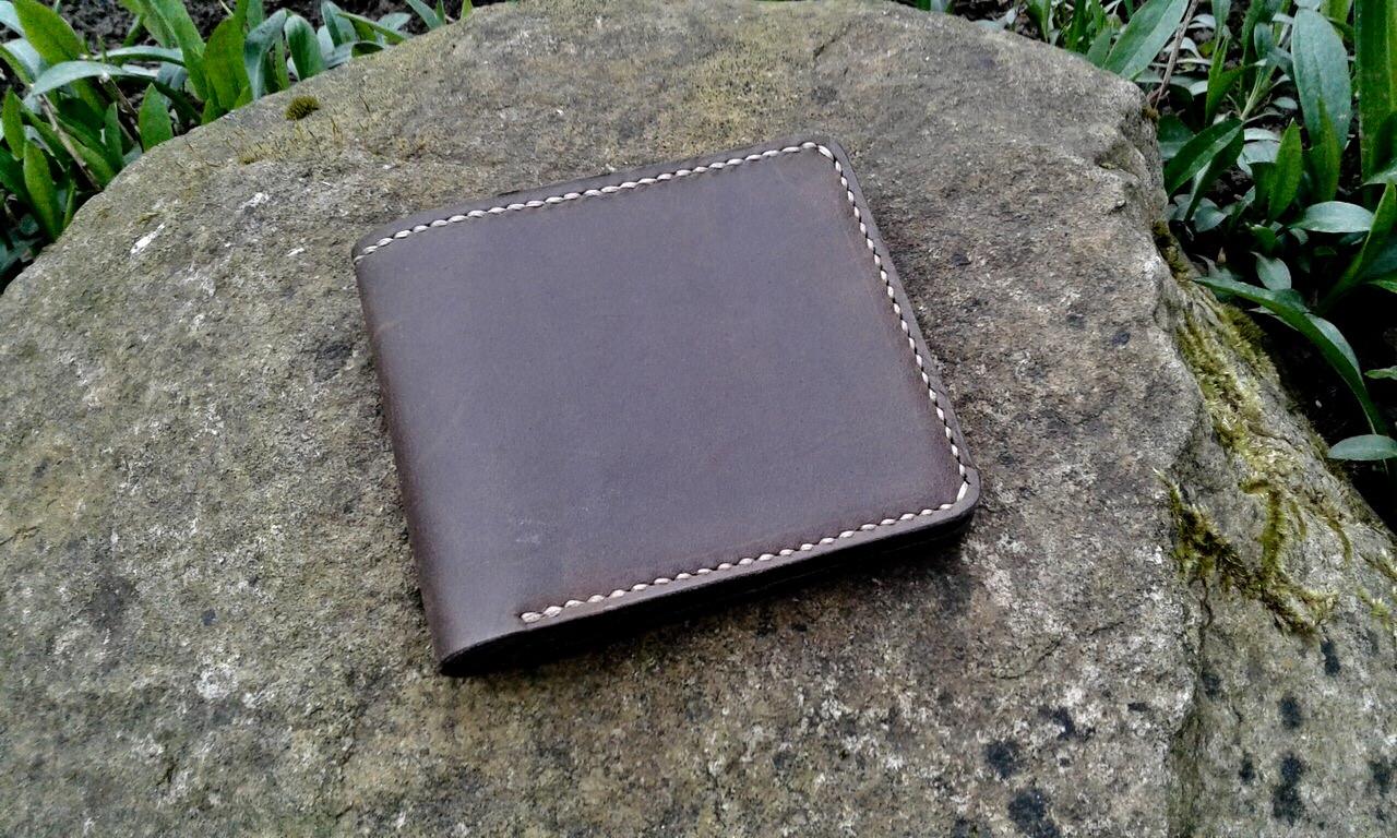 Кожаный кошелёк коричневого цвета
