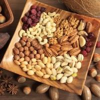 Сухофрукти, горіхи, насіння