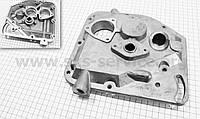 Крышка блока двигателя правая (короткая) алюминиевая 7отв. R175A/R180NM
