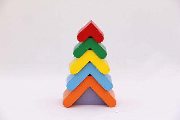 Пірамідка «Кольорова ялинка»